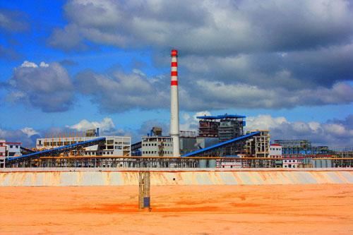 Ngoài khai thác bauxite, những năm qua, TKV cũng dồn sức thực hiện dự án nhà máy sản xuất alumin Nhân Cơ.<br>