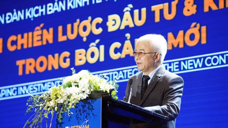 TS. Chử Văn Lâm, Tổng biên tập Tạp chí Kinh tế Việt Nam - VnEconomy - Vietnam Economic Times phát biểu khai mạc Diễn đàn.