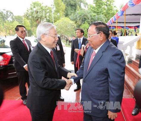 Tổng bí thư Nguyễn Phú Trọng đã có cuộc hội đàm chính thức cấp cao với Tổng bí thư, Chủ tịch nước Lào Bounnhang Volachith - Ảnh: TTTXVN.<br>