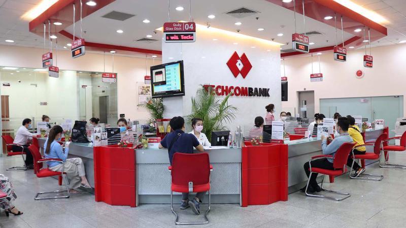 Techcombank là ngân hàng dẫn đầu về số lượng giao dịch bình quân trên một thẻ và là ngân hang chiếm vị trí số 2 về doanh số thanh toán (Qua POS và thương mại điện tử) của thẻ ghi nợ nội địa F@stAcesss.