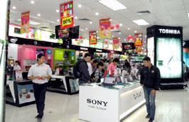 Tổng mức bán lẻ hàng hóa và doanh thu dịch vụ tiêu dùng xã hội trong Tháng khuyến mại Hà Nội năm 2010 đạt trên 19,8 nghìn tỷ đồng.