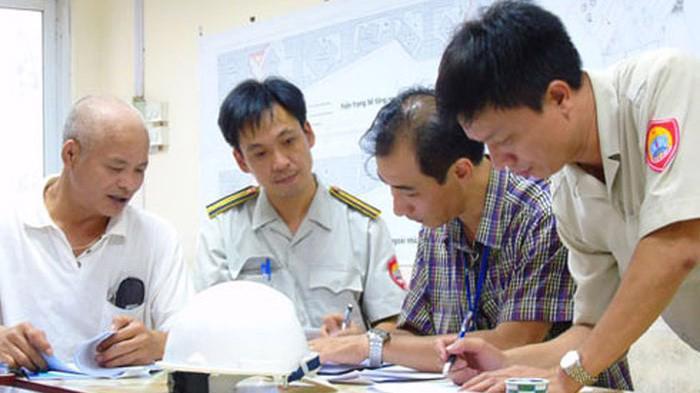 Đội Quản lý trật tự xây dựng đô thị gồm Đội trưởng, không quá 2 Phó đội trưởng và các công chức.