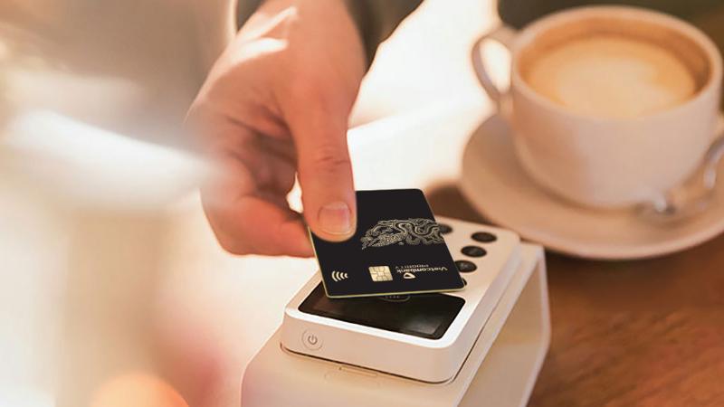 Vietcombank có riêng một đơn vị để vận hành chương trình ưu đãi giảm giá cho khách hàng, đồng thời hỗ trợ khách hàng đặt chỗ 24/7.