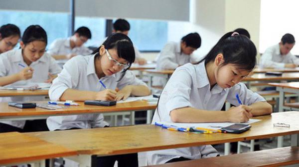Tỷ lệ học sinh đỗ tốt nghiệp quá cao (trên 97%) khi gần 50% số bài thi dưới trung bình, tạo suy nghĩ băn khoăn về vị trí và giá trị của kỳ thi