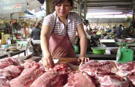 Tại Hà Nội, hiện thịt heo đã giảm từ 10.000 - 20.000 đồng/kg.