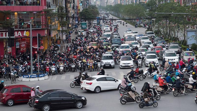 Cho phép Hà Nội lập đề án thu phí xe vào nội đô.