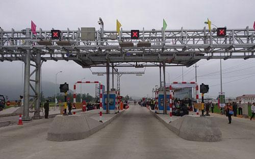 Việc áp dụng thu phí không dừng hiện đã và đang được áp dụng thí điểm tại một vài trạm trên tuyến quốc lộ 1A.<br>