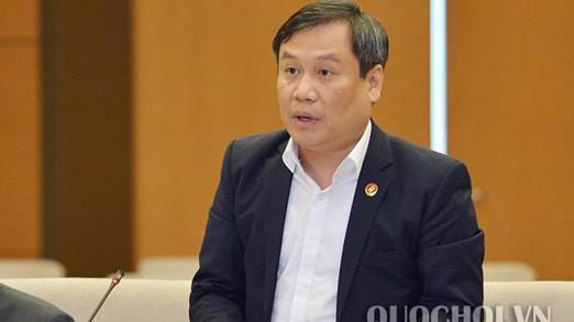 Thứ trưởng Bộ Kế hoạch và Đầu tư Vũ Đại Thắng trình bày tờ trình dự án luật