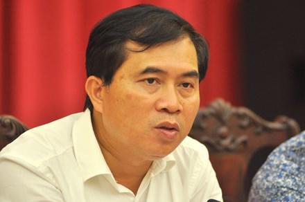 Thứ trưởng Bộ Xây dựng Lê Quang Hùng trả lời báo chí chiều 2/8.<br>