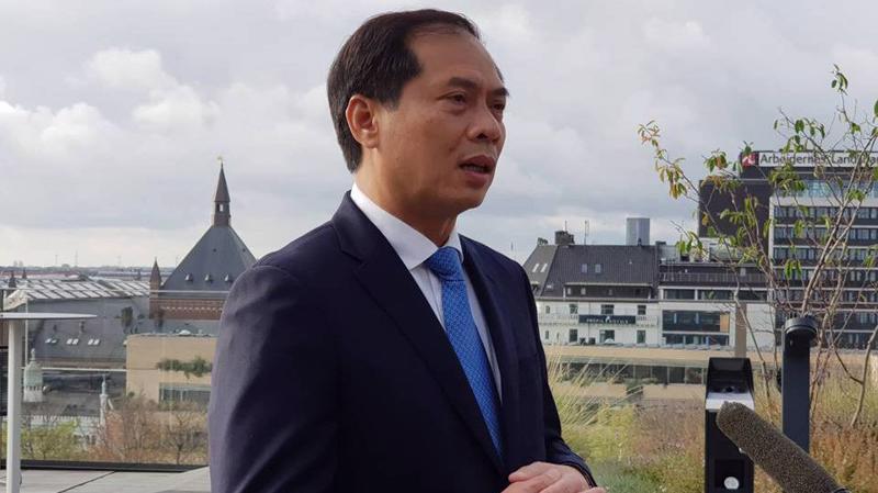 Thứ trưởng Bộ Ngoại giao Bùi Thanh Sơn