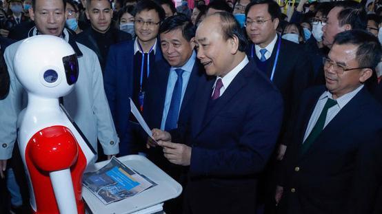 Thủ tướng Chính phủ Nguyễn Xuân Phúc tham dự lễ khởi công Trung tâm Đổi mới sáng tạo quốc gia (NIC) và khai trương Triển lãm quốc tế đổi mới sáng tạo Việt Nam 2021.