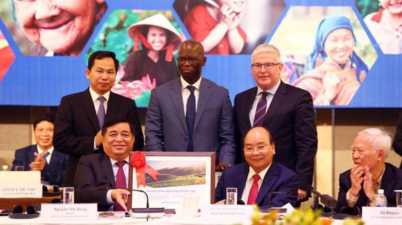 Thủ tướng Nguyễn Xuân Phúc tham dự Diễn đàn Cải cách và Phát triển Việt Nam.