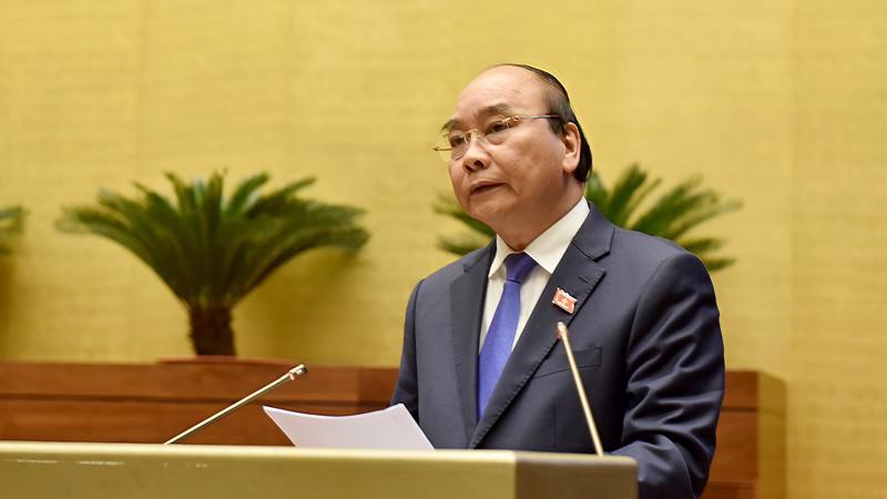 Thủ tướng Chính phủ Nguyễn Xuân Phúc trực tiếp trả lời chất vấn của đại biểu Quốc hội và làm rõ một số vấn đề được đại biểu quan tâm sáng 10/11 - Ảnh: VGP.