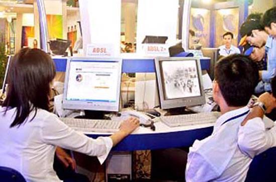 Theo báo cáo của Tổng cục Thống kê, tính tới thời điểm cuối tháng 4/2012, rồi tháng 5, tháng 6 và tháng 7, cả nước cũng... chỉ có 4,4 triệu thuê bao Internet!