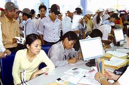 Hàng trăm thủ tục hành chính đã được sửa đổi tạo điều kiện thuận lợi hơn cho người dân và doanh nghiệp.