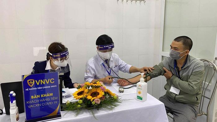 Tính đến hết ngày 13/3, đã có 10.041 người được tiêm chủng vaccine Covid-19 AstraZeneca tại Việt Nam.