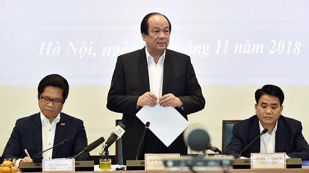 Bộ trưởng - Chủ nhiệm Văn phòng Chính phủ Mai Tiến Dũng chủ trì buổi kiểm tra tại UBND thành phố Hà Nội.