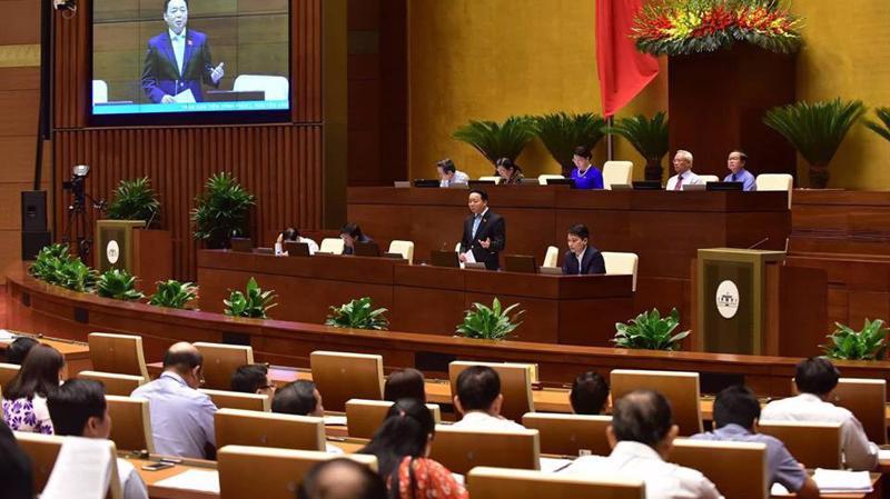Phiên chất vấn Bộ trưởng Trần Hồng Hà đã có  59 đại biểu đặt câu hỏi, có 17 vị tranh luận - Ảnh: Quang Phúc.