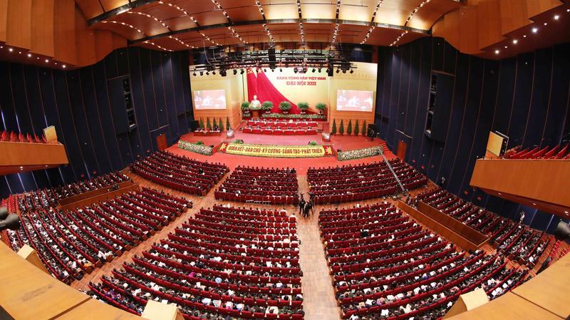 Ngày làm việc chính thức thức năm của Đại hội Đảng XIII (30/1), các đại biểu tiếp tục bàn về công tác nhân sự tại hội trường.