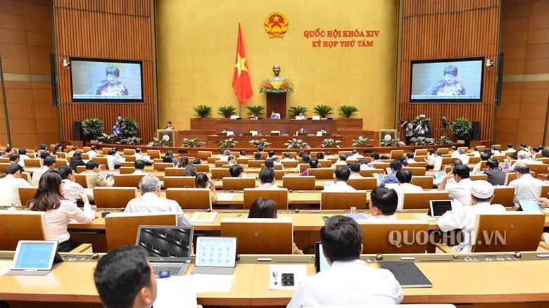 Quốc hội thảo luận tại hội trường về dự thảo Bộ luật Lao động (sửa đổi) cả ngày 23/10.