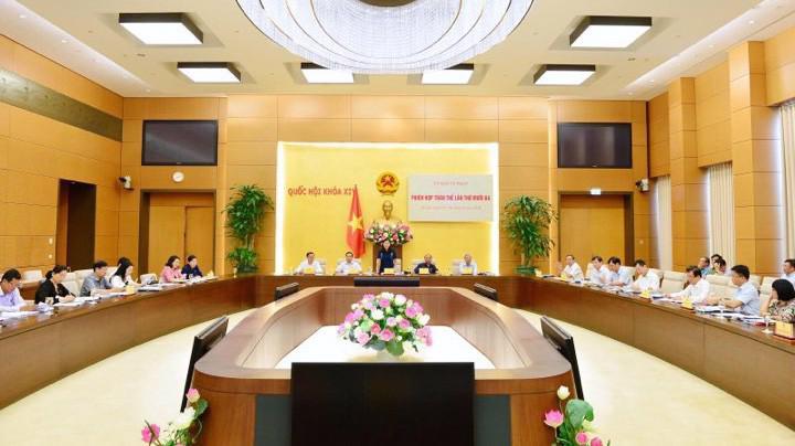 Toàn cảnh phiên họp của Uỷ ban Tư pháp Quốc hội.