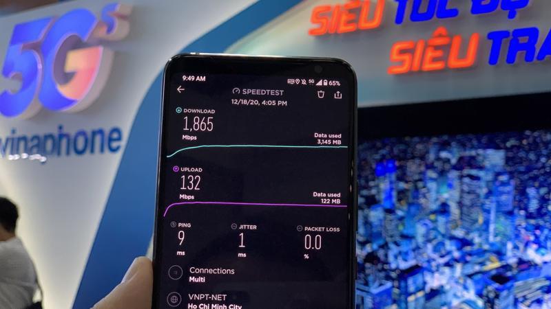 Tại thời điểm công bố vùng phủ sóng trên, tốc độ tải xuống (download) mạng 5G của VinaPhone lên tới hơn 1,8 Gbps - ảnh: Lê Mỹ.