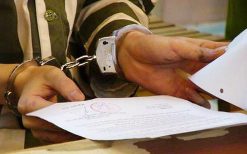 Cử tri cho rằng cần xem xét lại quy định người phạm tội tham nhũng có thể nộp tiền thay án tử hình.<br>