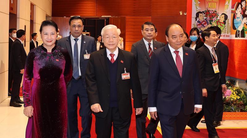 Tổng Bí thư, Chủ tịch nước Nguyễn Phú Trọng cùng Thủ tướng Chính phủ Nguyễn Xuân Phúc, Chủ tịch Quốc hội Nguyễn Thị Kim Ngân đến dự phiên họp trù bị Đại hội XIII của Đảng.