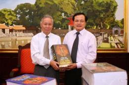 """Bộ """"Tổng tập nghìn năm văn hiến Thăng Long"""" được coi là ấn phẩm quý giá, đồ sộ bậc nhất từ trước tới nay viết về văn hóa Thăng Long-Hà Nội."""