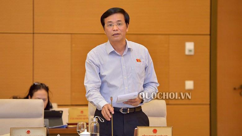 Tổng thư ký Quốc hội Nguyễn Hanh Phúc trình bày một số vấn đề chuẩn bị kỳ họp.