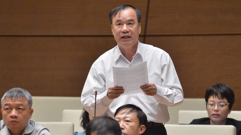 Đại biểu Trần Quang Chiểu phát biểu tại phiên thảo luận sáng 5/11 - Ảnh: Quochoi.vn