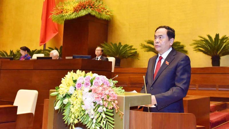 Chủ tịch Uỷ ban Trung ương Mặt trận Tổ quốc Việt Nam Trần Thanh Mẫn trình bày báo cáo tổng hợp ý kiến của cử tri.