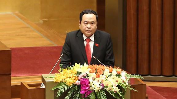 Chủ tịch Ủy ban Trung ương Mặt trận Tổ quốc Việt Nam Trần Thanh Mẫn trình bày báo cáo tổng hợp ý kiến cử tri.
