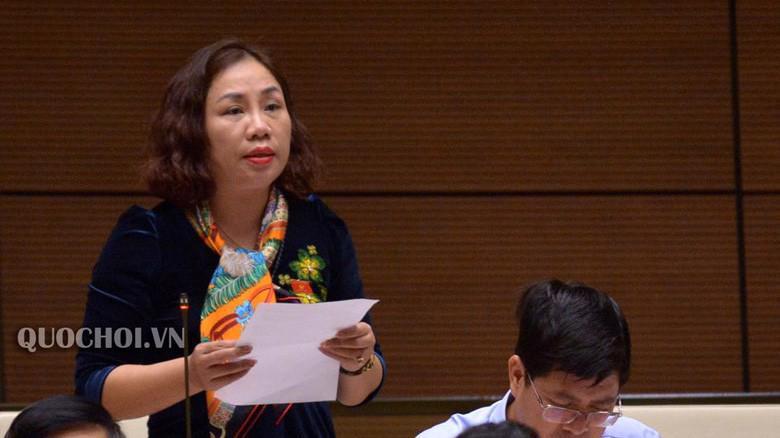 Đại biểu Trần Thị Hiền góp ý về quy định học phí