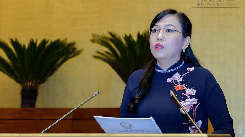 Trưởng ban Dân nguyện Nguyễn Thanh Hải trình bày báo cáo trước phiên chất vấn.