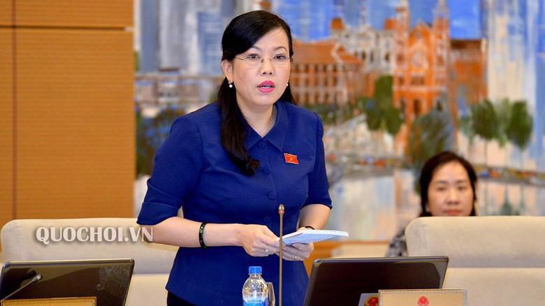Trưởng ban Dân nguyện Nguyễn Thanh Hải trình bày báo cáo.