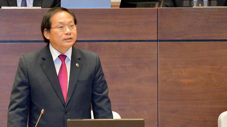 Bộ trưởng Thông tin và Truyền thông Trương Minh Tuấn đề nghị, khi nói đến báo chí là nhằm chỉ rõ cơ quan báo chí được cấp phép, có tôn chỉ mục đích hoạt động. Còn các trang mạng không được cấp phép thì không được xem là cơ quan báo chí.