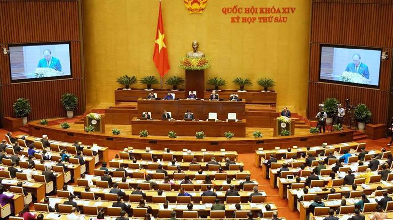Thủ tướng Nguyễn Xuân Phúc trình bày báo cáo trong phiên khai mạc kỳ họp thứ sáu của Quốc hội. Ảnh: Quang Phúc.