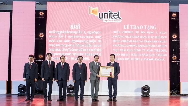 Unitel cũng nhận Huân chương Độc lập Hạng Ba do Chính phủ Việt Nam trao tặng.