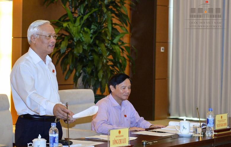Phó chủ tịch Quốc hội - Trưởng đoàn giám sát Uông Chu Lưu phát biểu tại buổi làm việc với Chính phủ.