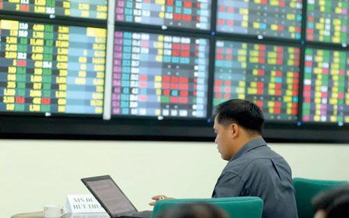 """Sau hơn 3 năm đi vào hoạt động, sự khó khăn chung của thị trường chứng  khoán cộng thêm sự èo uột trong giao dịch của riêng UPCoM khiến thị  trường này rơi vào trạng thái """"ngủ đông"""" triền miên."""