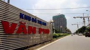 Doanh thu bán hàng và cung cấp dịch vụ quý 3 của Văn Phú Invest đạt 210 tỷ đồng, tăng 62%. Tuy nhiên, luỹ kế 9 tháng năm 2018, doanh thu thuần bán hàng và cung cấp dịch vụ chỉ đạt 284 tỷ đồng, giảm mạnh 57%.