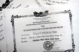 3 giấy chứng nhận do ban tổ chức trao cho Công ty Vedan.