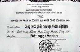 Giấy chứng nhận cấp cho Vedan có chữ ký của ông Hoàng Thủy Tiến.