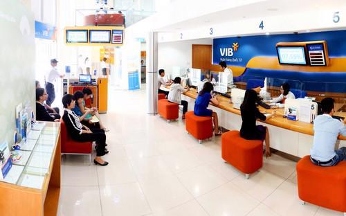 Việc thanh toán tiền điện có thể thực hiện bằng nhiều hình thức chuyển  khoản, ủy nhiệm chi qua tài khoản tại ngân hàng, nộp tiền mặt tại quầy  giao dịch VIB gần nhất.
