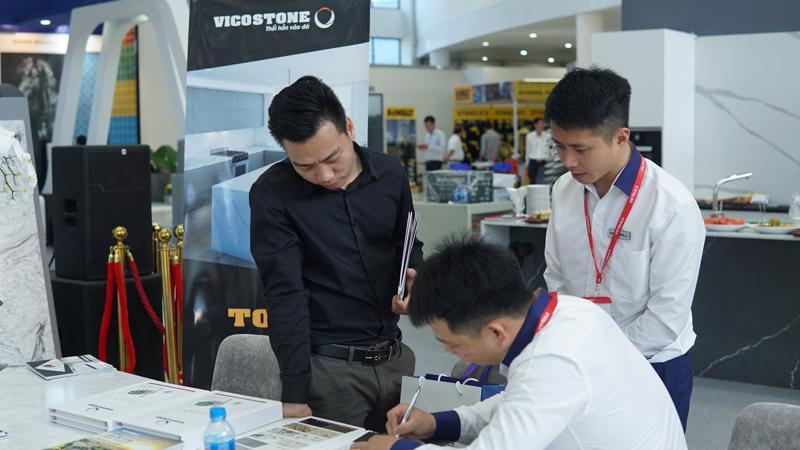 Tại Vietbuild, Vicostone mang tới cho các kiến trúc sư, nhà thiết kế và người tiêu dùng những cập nhật mới nhất về các sản phẩm mới.