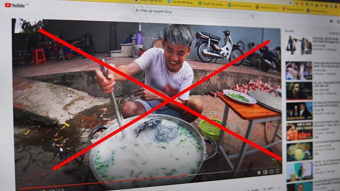 """Video """"nấu cháo gà nguyên lông"""" của Youtuber Hưng Vlog bị Sở Thông tin và truyền thông tỉnh Bắc Giang xử phạt 7,5 triệu đồng."""