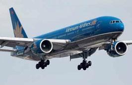 """Hành khách bị """"kẹt"""" do Vietnam Airlines hủy chuyến sẽ được bố trí đi trên các chuyến bay thường lệ và bay bù vào 1/10."""