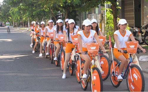 """<font face=""""Arial, Verdana""""><span style=""""font-size: 13.3333px;"""">Chủ tịch Hanoi Telecom Phạm Ngọc Lãng cho biết, mục tiêu của Hanoi Telecom từ 2016 - 2020 là trở thành tập đoàn viễn thông mạnh, có doanh thu tăng 20 - 30%/năm, thị phần Vietnamobile từ 15-20%/năm.</span></font>"""