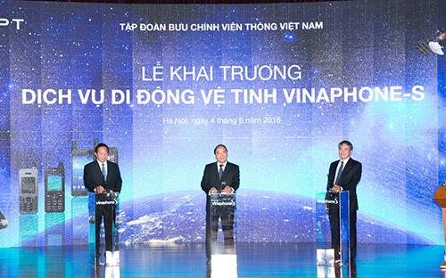 Lễ khai trương dịch vụ di động vệ tinh VinaPhone-S của Tổng công ty Dịch vụ Viễn Thông VNPT VinaPhone sáng 4/8.